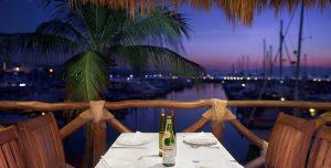 Restaurante Italiano - Vista al malecón de La Cruz de Hunacaxtle - Bahía de Banderas - Frascati